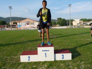 Ilyas, champion du Var du saut en hauteur